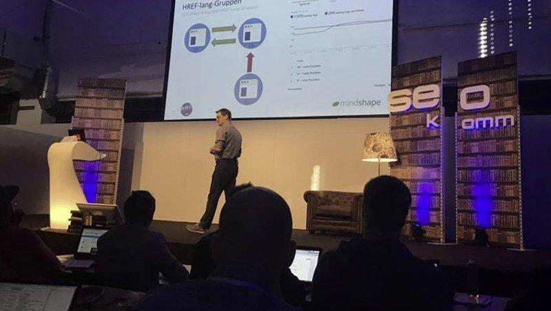 Internetagentur: Expertenwissen präsentiert auf SEOkomm